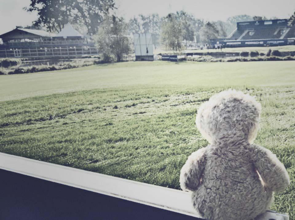 Foster beim Golfturnier. Ruhe vor dem Sturm