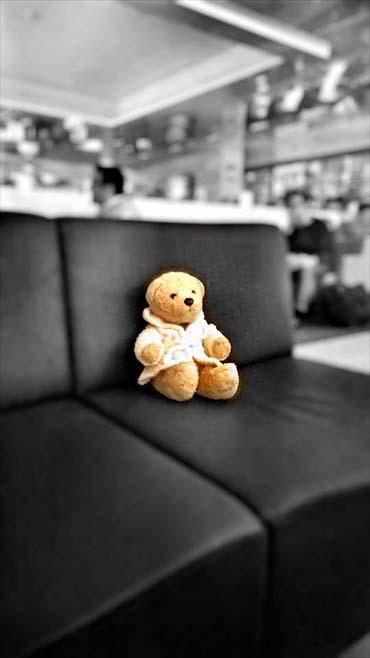 Zwischenhalt nach Japan - Foster in der Flughafen Lounge Helsinki (von Benjamin Erhardt)